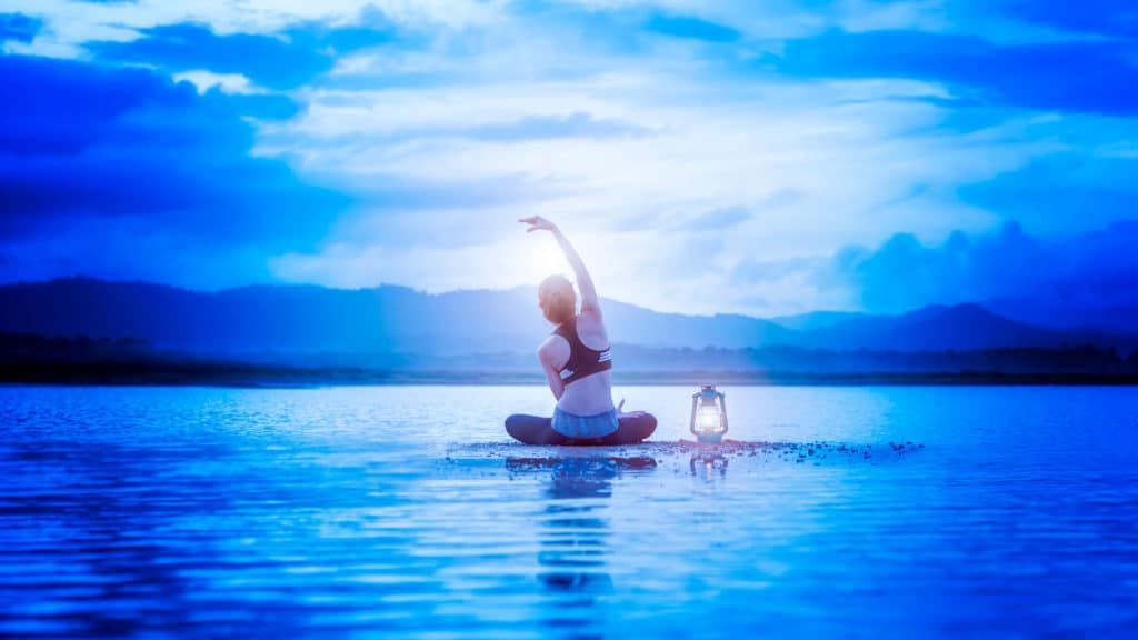 ヨガと瞑想のイメージ