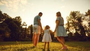 恋愛、結婚、出産のイメージ